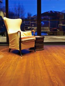 CI_Stromberg-Moore-Hardwoods-plank-fir-flooring_s3x4.jpg.rend.hgtvcom.1280.1707