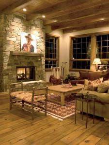 CI_Stromberg-Moore-Hardwoods-reclaimed-pine-flooring_s3x4.jpg.rend.hgtvcom.1280.1707