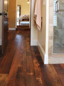 Original_Douglas-Trattner-Bathroom-Trends-Distressed-Hardwoods_s3x4.jpg.rend.hgtvcom.1280.1707