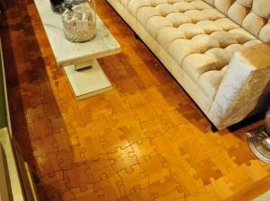Original_Jamie-Beckwith-Interiors-puzzle-piece-hardwood-flooring_s4x3.jpg.rend.hgtvcom.1280.960